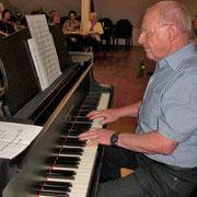 Damit das Lied auch bestens sei, spielt Werner hier die Melodei.