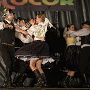 """Ensemble """"URPIN"""" (Slovaquie) - Photo D.CAUVAIND/FOLKOLOR 2012"""