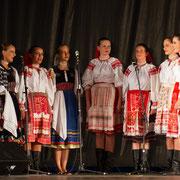 "Ensemble ""URPIN"" (Slovaquie) - Photo M.RENARD/FOLKOLOR 2012"