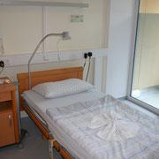 Patientenzimmer der BioMed Klinik