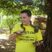 Jan mit einer Schlange