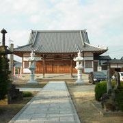 今回の会場は平成17年に完成したピカピカの本堂の観月院さんです。リンクにもサイトがありますよ。