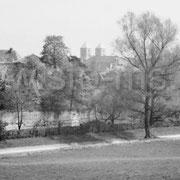 Blieck auf die Westerholtsche Wiese mit Stadtmauer.