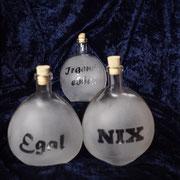 Dreierset Flaschen Aufschrift: Nix, Egal, Irgendebbes je 200 ml