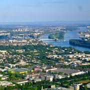 Der Rhein Wiesbaden / Mainz