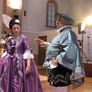 Eva (présidente association Jupons & Plastrons) et le maitre à danser