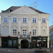 Palais Herberstein, Fassade von 1732