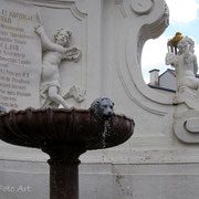 Brunnendetail -  Dreifaltigkeitssäule