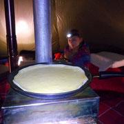 Balade , jeux en forêt et pause sous la tente tchoum trottnature