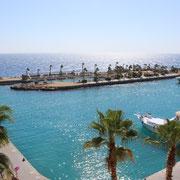 Unser hoteleigener kleiner Hafen, von dem wir unsere Tour über Wasser bewältigen konnten
