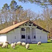 Ancienne maison de maître et sur ce site idyllique