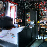 "House ""Black Room"
