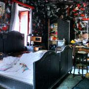 "House ""Black Room"