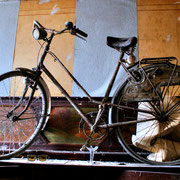 Maison Old Bicycle