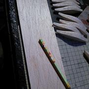 まずはテンプレートを使用し型書き。なるべく余らないよう詰めて。12~13個分ぐらい。