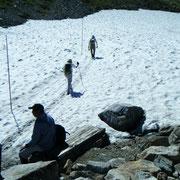 5,6箇所で雪原を走破しなくてはいけない。スニーカーでかよ(ノд`@)アイター
