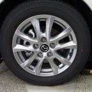 フロントホイール 15Sのタイヤサイズは205/60R16タイヤ&16インチアルミホイール