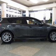 タイヤはオプションの17インチを装着しています  17インチ装着時の燃費は10・15モード燃費:18.8km/L JC08モード燃費:16.2km/L