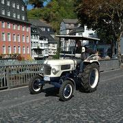 Urlaub NRW - Trecker am Roten Haus in Monschau