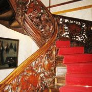 Urlaub in NRW - freitragende Treppe im Roten Haus