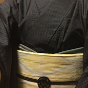 紺に青水玉単衣大島紬+卵色に水色絞り柄名古屋帯