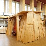 wundersame Behausung,  2009, Sperrholz, Styropor, Paietten, Bordüren, Lichtschlauch, 450 x 350 x 270 cm