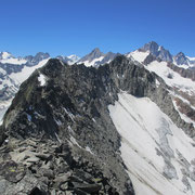 Richtung Westen gegen Oberaar- un Finsteraarhorn