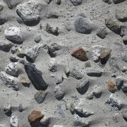 Stein-Sandstrand am Grimselsee