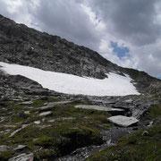 Bis in den tiefen Sommer anzutreffen: Schneereste