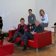 Gérard COLLOMB, Sénateur-Maire de Lyon, reprrésentant particuliler de François Hollande,  entourés des différents intervenants / Photo : Anik Couble