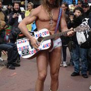 Cow-boy nu à Time Square - 2010 © Anik COUBLE
