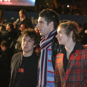 "Eric Serra et 2 membres du groupe ""The Servant"" - NRJ Music Awards 2005 © Anik COUBLE"