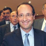 François Hollande, entouré de Gérard Collomb et Jean-Jack Queyranne © Anik COUBLE