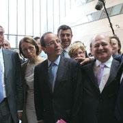 François Hollande entouré de Jean-Jack Queyranne, Sylvie Gillet De Torey, Jean Besson et  Michel Gregoire © Anik COUBLE