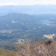 鎖場から見た野尻湖と斑尾山