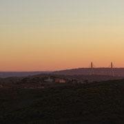 die Brücke der Via do Infante nach Spanien am frühen Morgen