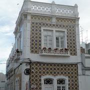 typisch portugiesisches Kachelhaus in Lagos