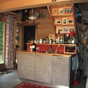 Cucina e scala rustico e moderno