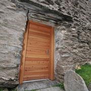 Porta rustico in larice
