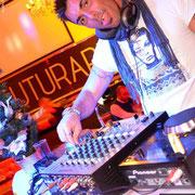 AXEL DJ DISCOTECA FUTURARTE