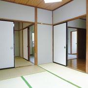 北側の和室からは、ダイニングキッチン、南の和室6帖へ行けます