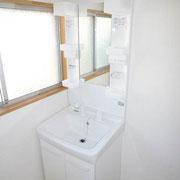新品のシャワー付き洗面台