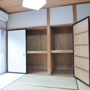 玄関横の和室6帖は収納2ヶ所