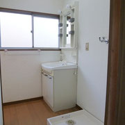 洗面室と洗濯機置場