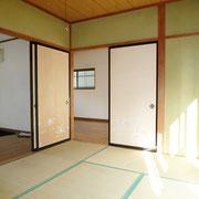 1階LDK横の和室6帖。