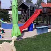 Klettergerüst auf unserem Spielplatz