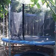 Trampolin auf unserem Spielplatz