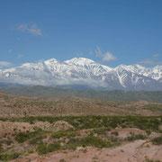 Le Cordon del Plata en vue depuis la sortie de Mendoza