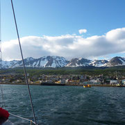 Ushuaïa est en vue depuis notre frêle esquif