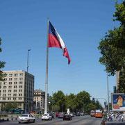 Trafic sur la grande avenue du Général Bernardo O'Higgins Riquelme